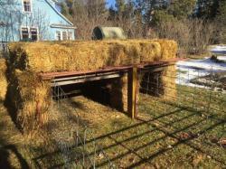 straw-house